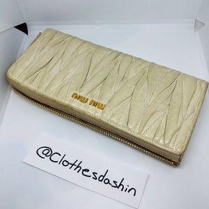 Miu Miu Long wallet